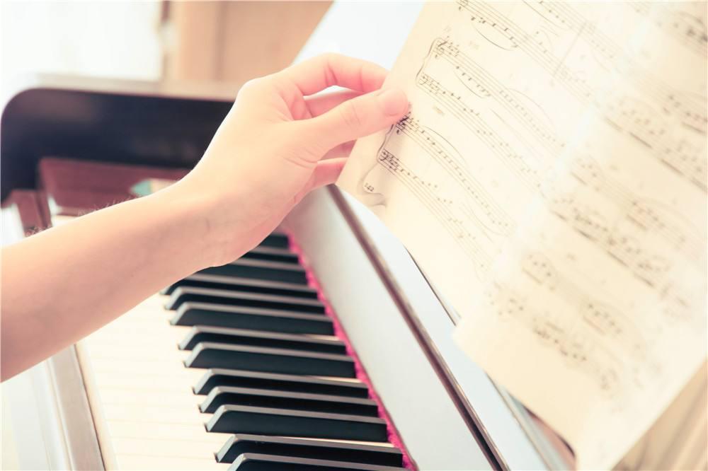 钢琴销售告诉你孩子在家练琴需注意一下几