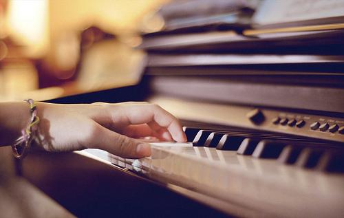 如何选择合适的钢琴培训机构?